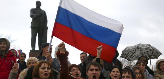 El Parlamento de Crimea propone que la península sea una provincia rusa
