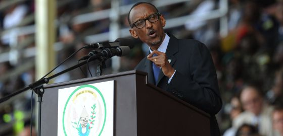 Ruanda acusa y veta a Francia
