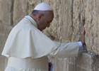 El Papa insta a judíos, cristianos y musulmanes a entenderse