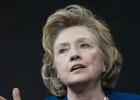 Hillary Clinton acentúa su perfil presidenciable criticando a Obama