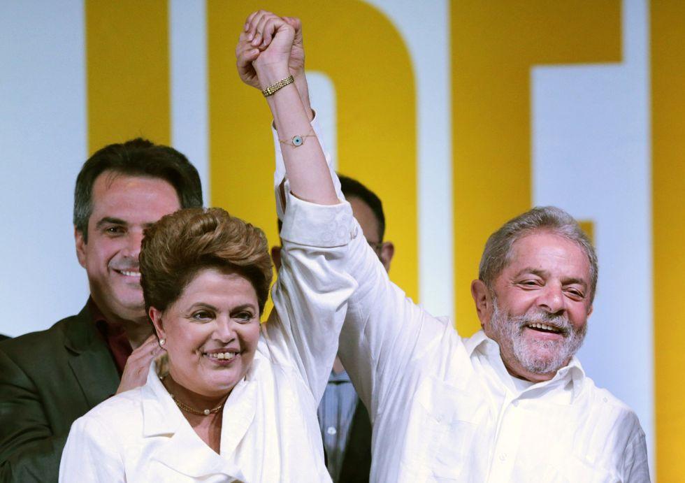 """""""La reelección tiene que ser entendida como un voto de esperanza dado por el pueblo para mejorar el país"""", dijo Rousseff durante su discurso después de conocer los resultados de la elección, en donde agradeció el apoyo del expresidente Luiz Inacio Lula Da Silva."""