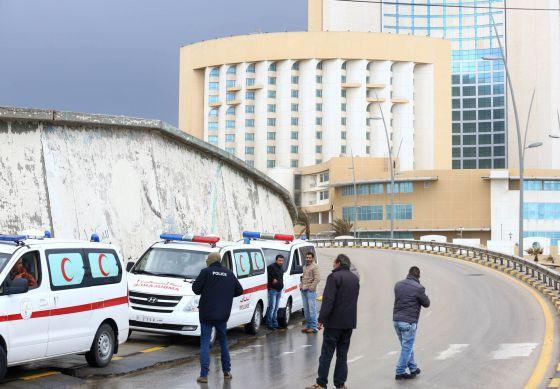 El Estado Islámico ataca en Trípoli el hotel que aloja el poder político