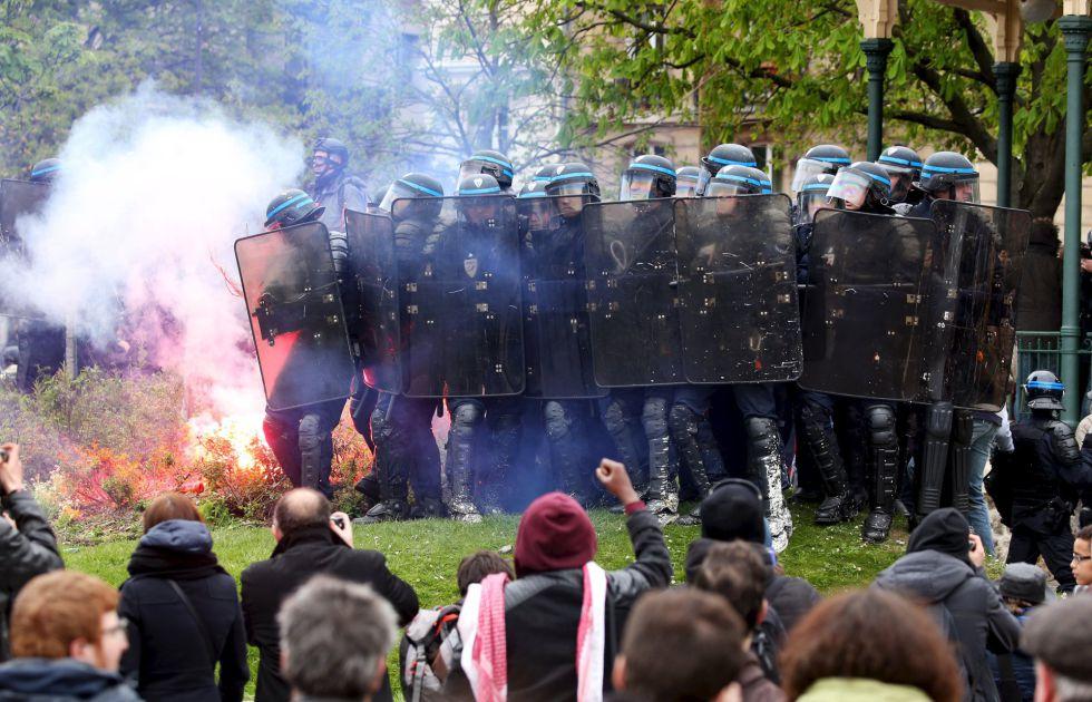 Resultado de imagen de Francia VI REPUBLICA CONTRA  5a República! ELECCIONES  PROTESTAS