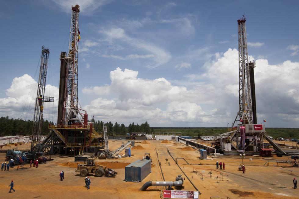 El millonario negocio petrolero de Venezuela con EE UU escapa de las sanciones