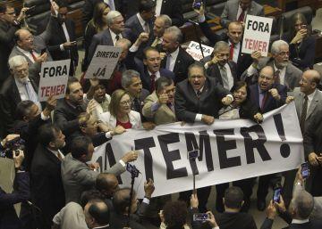 El Congreso de Brasil salva a Temer e impide que sea investigado por corrupción