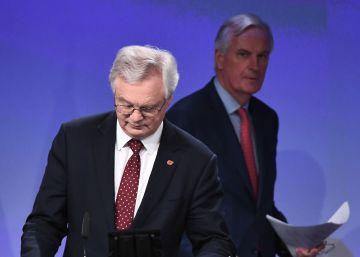 Bruselas prepara un plan B por si el Brexit descarrila