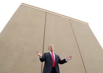 """Trump, junto al muro: los inmigrantes """"son escaladores profesionales"""""""
