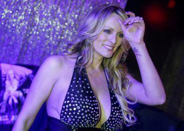 La actriz porno Stormy Daniels, detenida mientras hacía 'striptease' en un club de Ohio