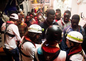 600 personas en busca de un puerto
