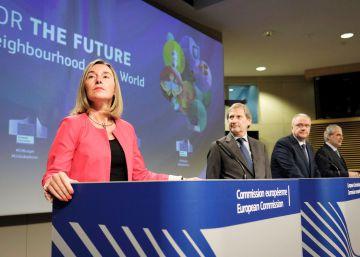 La UE abre la puerta a suministrar armas para misiones de paz