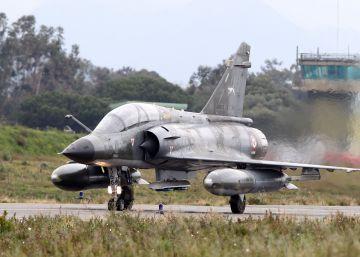 Francia lanza una fuerza europea de intervención militar ajena a la UE