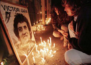 Ocho exmilitares chilenos, condenados a 18 años de cárcel por el asesinato de Víctor Jara en 1973