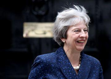 May se aferra al poder y a su plan para el Brexit
