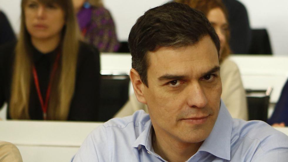 Resultado de imagen de Pedro Sánchez evita intervenir en el Comité Federal