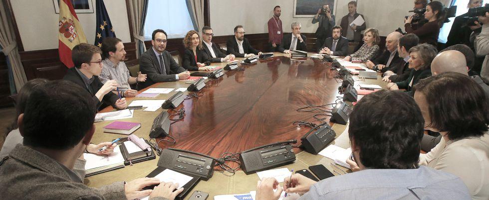 """PSOE: """"Nuestra opción sigue siendo pactar con Podemos y Ciudadanos"""""""