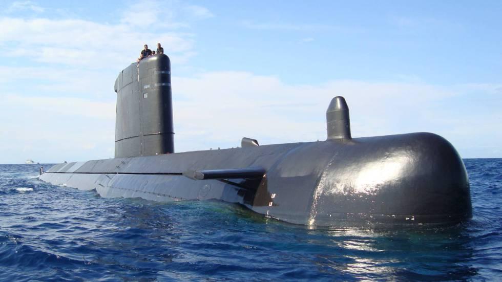 El retraso del submarino s 80 cuesta 130 millones de euros for Interior submarino