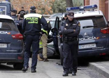 El fiscal pide 20 años de cárcel para cuatro policías por vejaciones homófobas