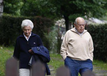 Marta Ferrusola: ?Soy la madre superiora de la Congregación, traspasa dos misales?