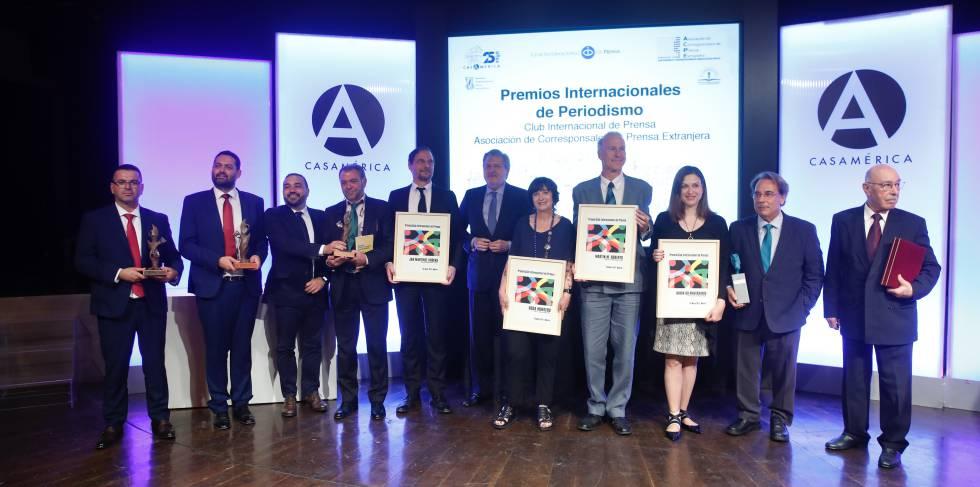 Rosa Montero y Jan Martínez Ahrens, reciben el premio de Periodismo Internacional del Club de Prensa