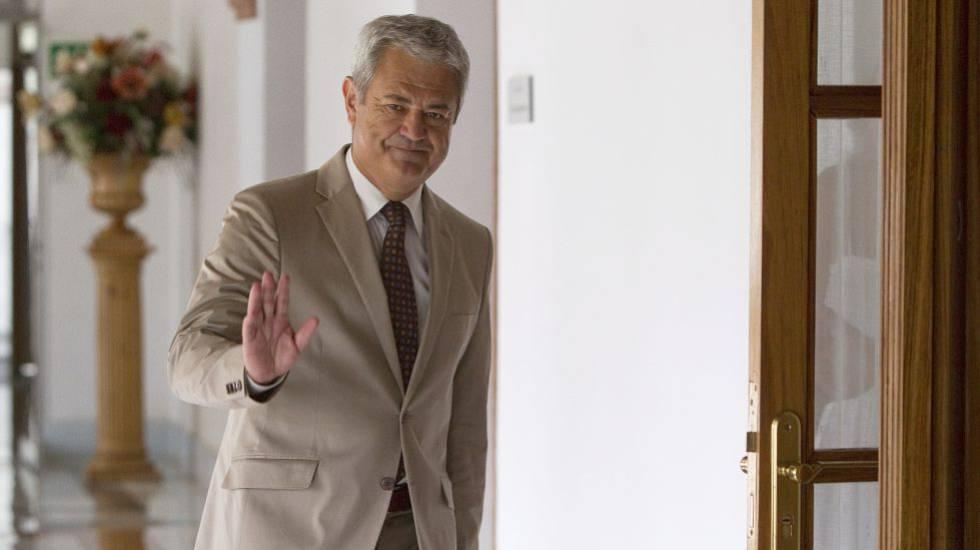 El juez de Invercaria abre juicio al exconsejero andaluz Francisco Vallejo