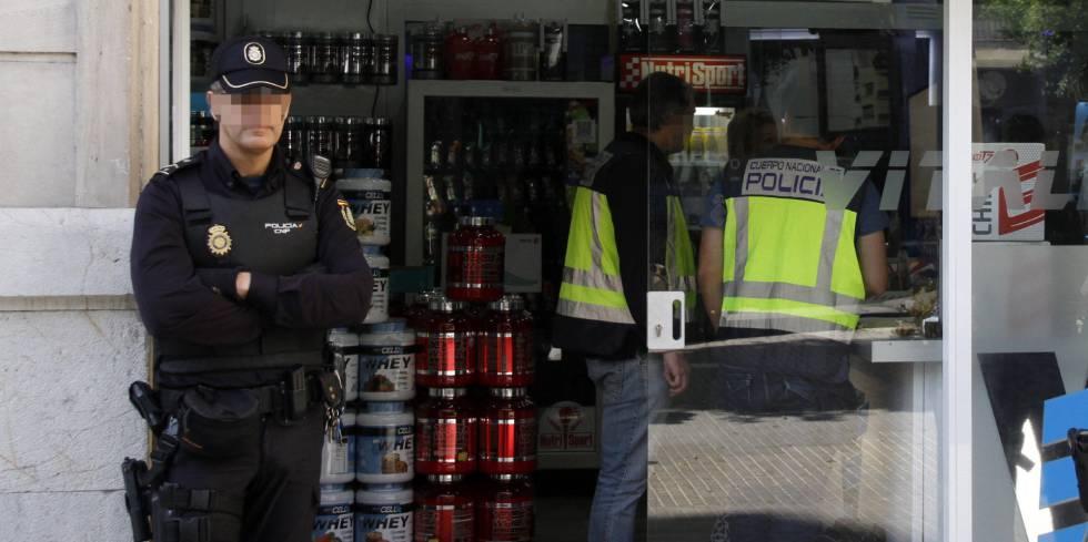 Desmantelado en Málaga el mayor 'laboratorio-supermercado' europeo de productos dopantes