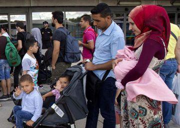 184 refugiados sirios e iraquíes llegan a España procedentes de Grecia