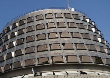 El Constitucional estudia la respuesta del Gobierno a la ley del referéndum