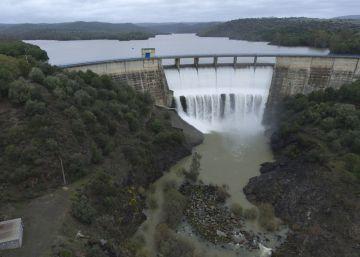 El agua embalsada se dispara hasta casi el 54% en solo 15 días de lluvias
