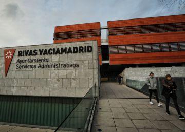 La Guardia Civil investiga contratos irregulares que implican a concejales de Podemos e IU