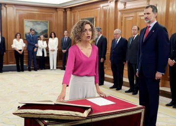 El nuevo Gobierno estrena fórmula en su toma de posesión para subrayar la mayoría femenina