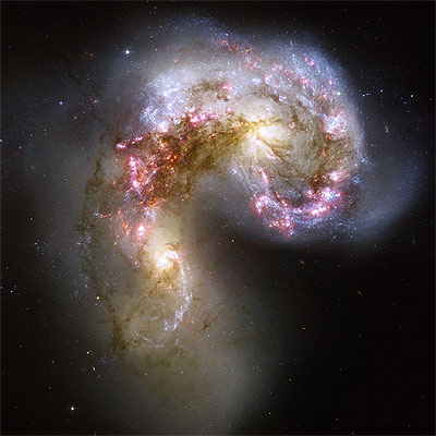 http://www.elpais.com/recorte/20061018elpepusoc_1/XLCO/Ies/Hubble_muestra_creacion_millones_estrellas_choque_galaxias.jpg