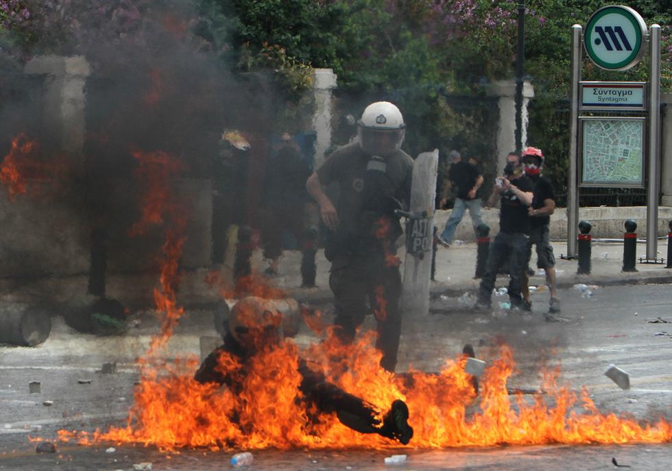 El hundimiento de Grecia Medio_llamas