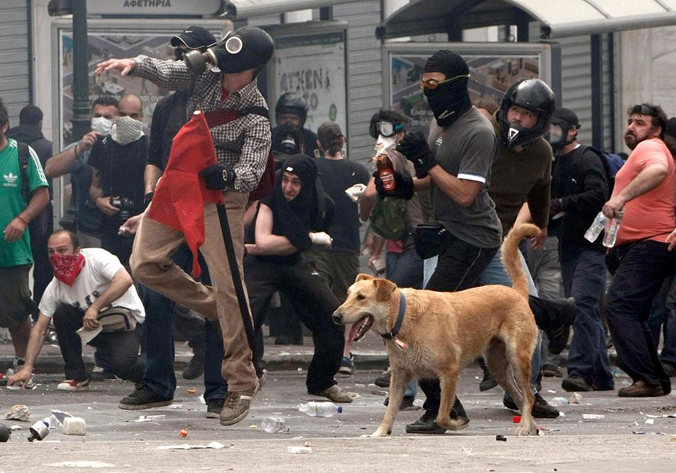 El hundimiento de Grecia Cocteles_molotov