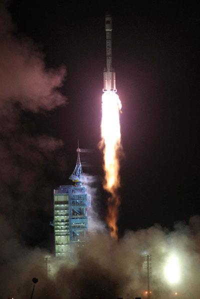 http://www.elpais.com/recorte/20110929elpepusoc_10/LCO340/Ies/China_lanza_Tiangong-1_espacio.jpg