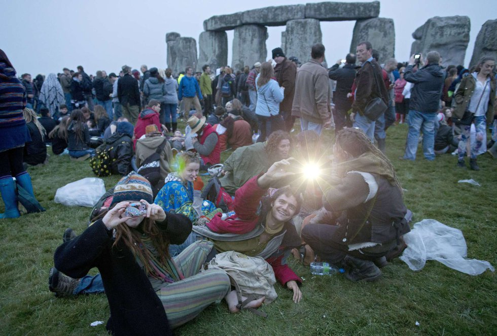 Solsticio de verano en Stonehenge 1371811584_720065_1371837739_album_normal