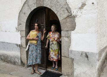 Una 'nieta' a la carta y a domicilio para que los mayores sigan en el pueblo