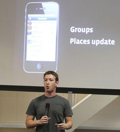 Facebook apuesta por el uso en móviles
