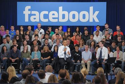 Barack Obama, durante su entrevista en Facebook en Palo Alto.