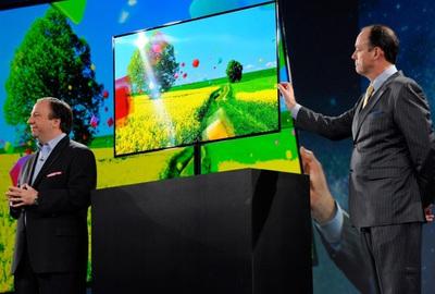Samsung presenta televisores que reaccionan a voz y gestos