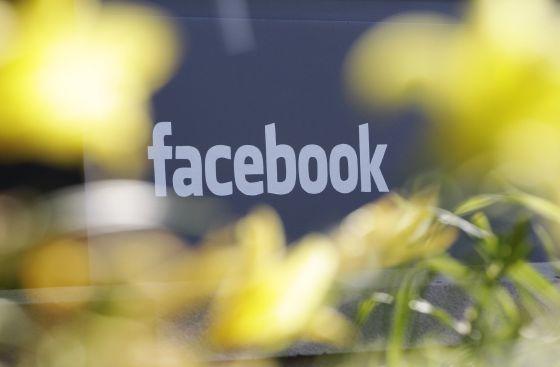 Nasdaq compensa al inversor de Facebook