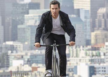 Una chaqueta inteligente para llamar y pedalear