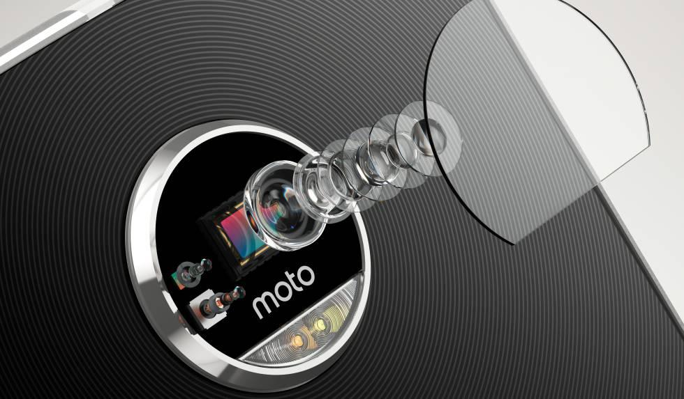 Moto Z Play: un móvil por piezas