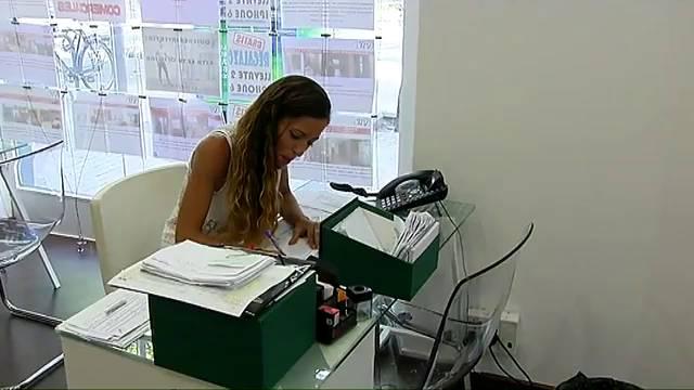 Videos de mamadas en la oficina for Videos porno sexo en la oficina
