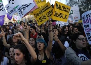 Si eres mujer en España, desde hoy hasta final de año trabajas gratis