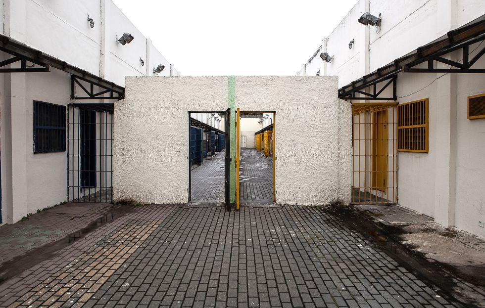 Um muro improvisado divide a unidade da Fundação CASA visitada pelo EL PAÍS, hoje dois centros que abrigam 60 adolescentes cada, sob direções diferentes.