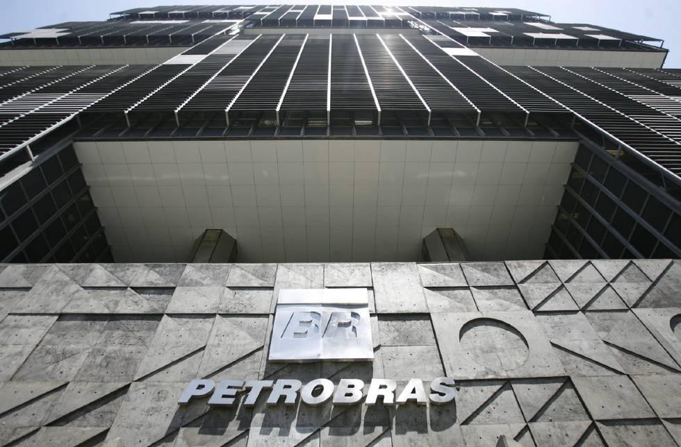937de9b0374df Petrobras encolhe ainda mais e corta um quarto dos investimentos até ...