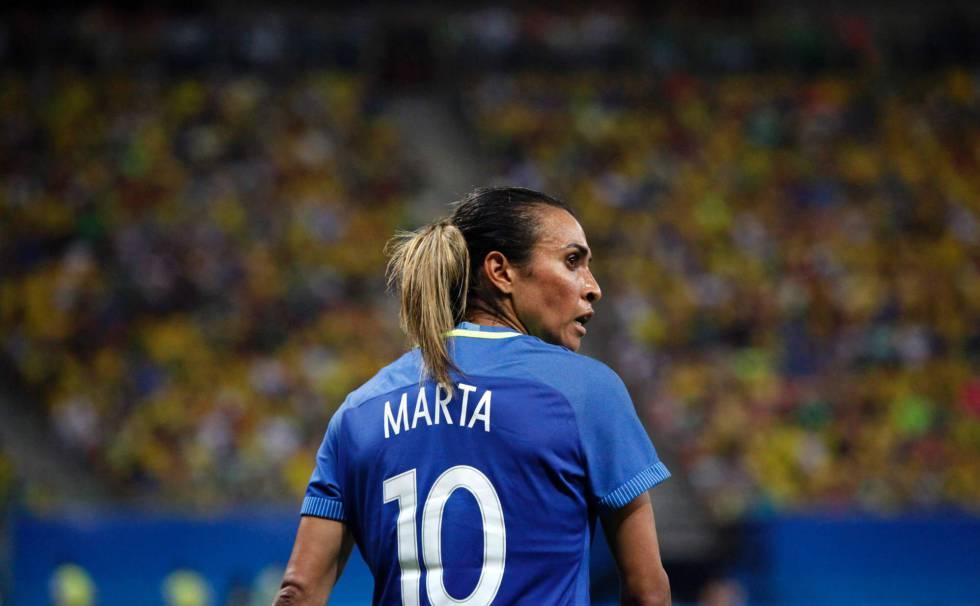 6f01279826 A febre pela camisa da Marta será medida depois da Olimpíada ...