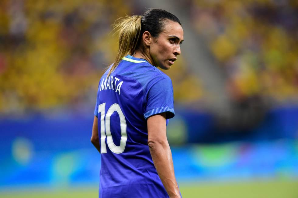 Futebol Feminino  O Brasil se rende a Marta  8816087d0d62b