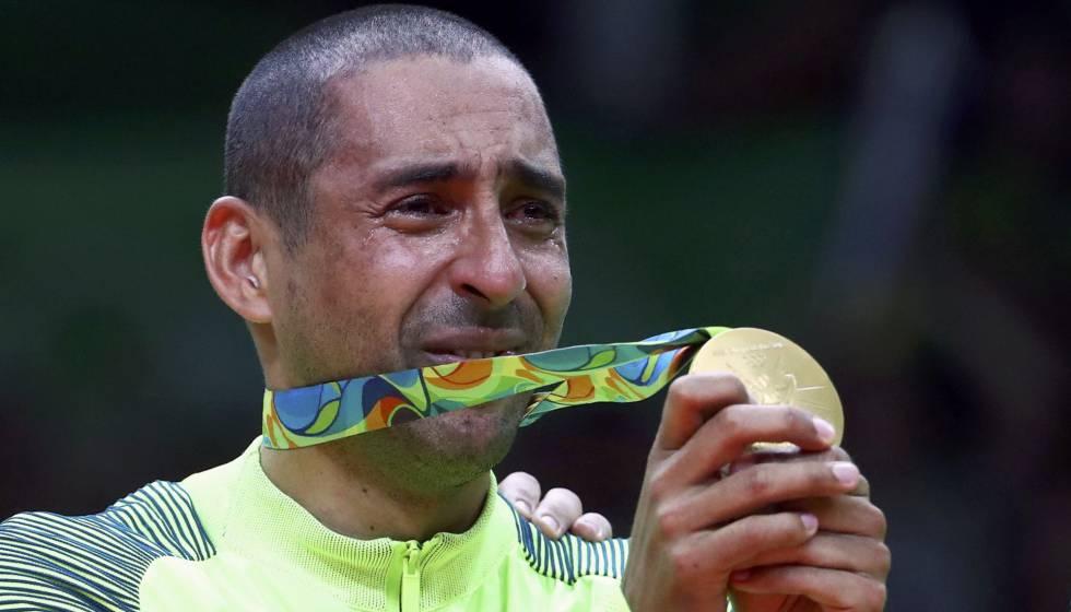 0c4f698053702 Resultado  Brasil vence a Itália por 3 a 0 e é campeão no vôlei ...