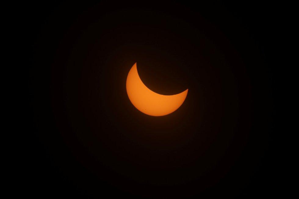 Um registro do eclipse solar em Depoe Bay, no Oregon.